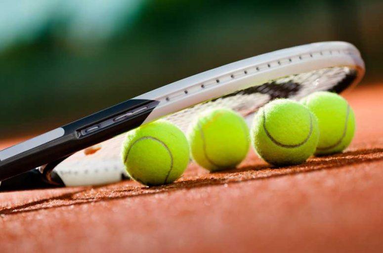 Titanium vs Graphite Tennis Racquet Which one is best