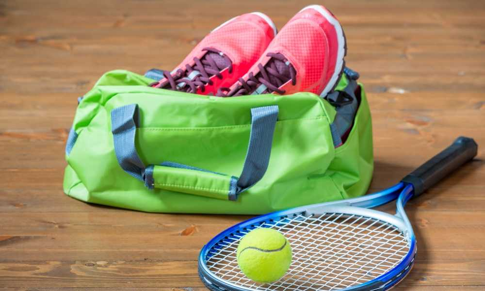 CARRY A TENNIS RACKET BAG