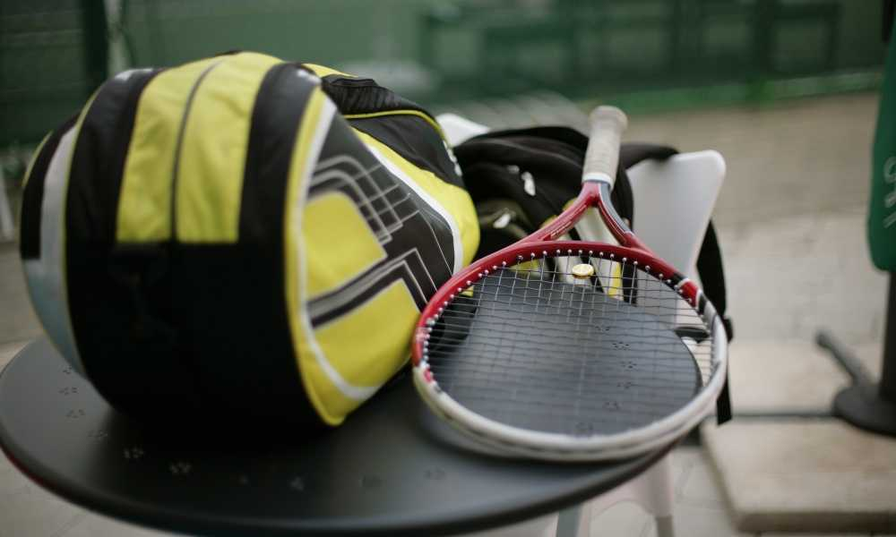 How to Carry a Tennis Racket Bag